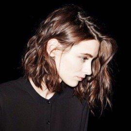 kısa dalgalı saç kesimi